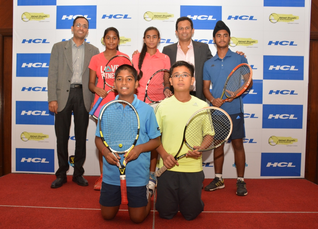 Pic 1- Sundar Mahalingam- CSO, HCL ( Left) and Gaurav Natekar- CEO. MBTA(Right) along with children